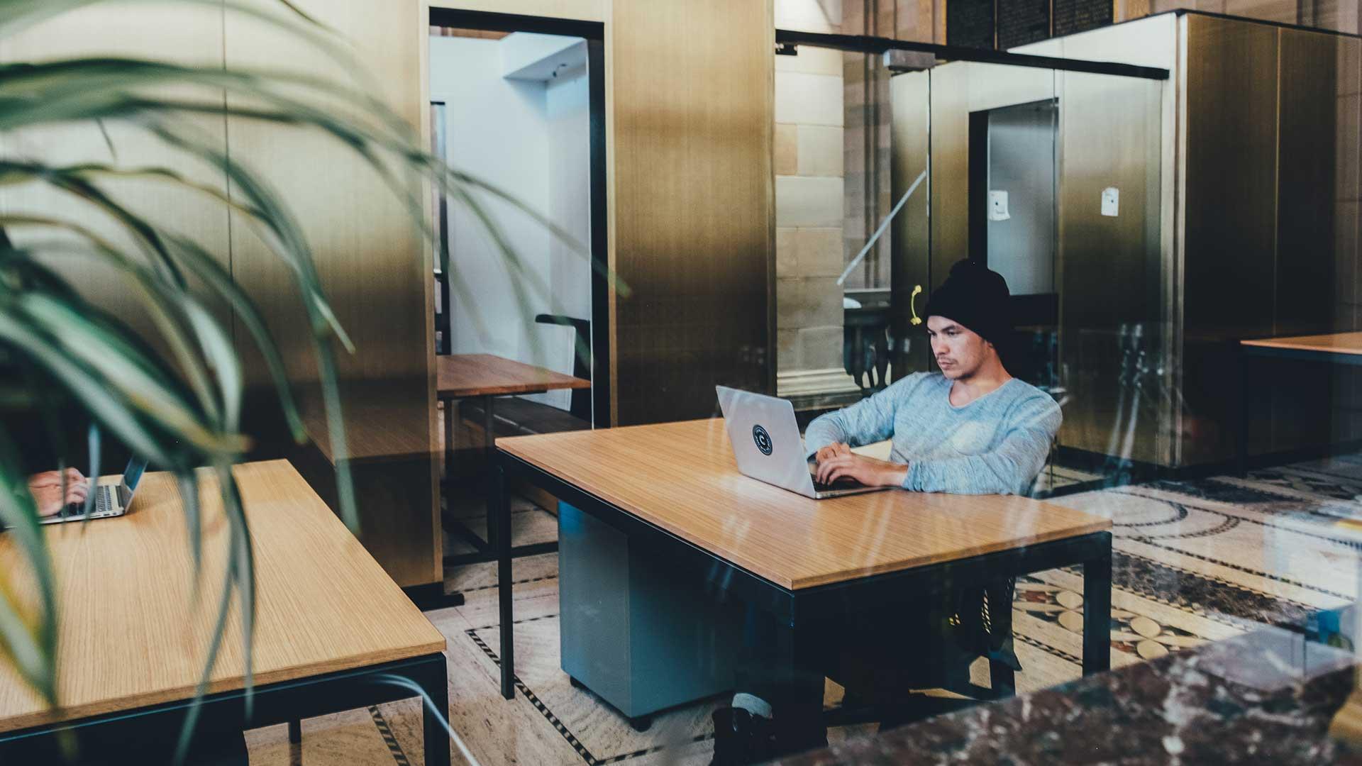 Securing safer workspaces: A success story of Prosegur and Xandar Kardian